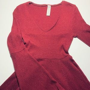 Maroon Long Sleeve, Knee-Length, V-Neck Dress